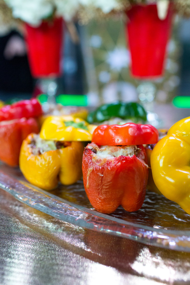 Home and food ideas for your Super Bowl party: stuffed bell peppers