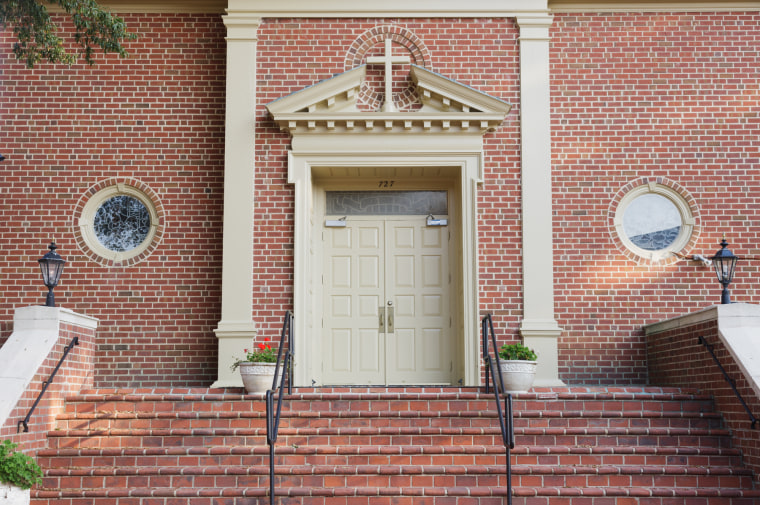 Trend & Tradition magazine restricted until publication - First Baptist Church in Williamsburg, VA, October 2015; hold until March 1st, 2016.