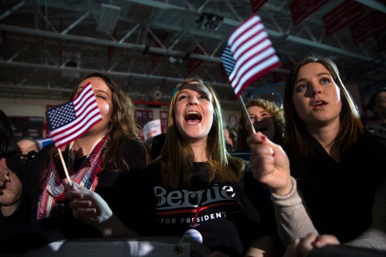 Image: Bernie Sanders Crowd