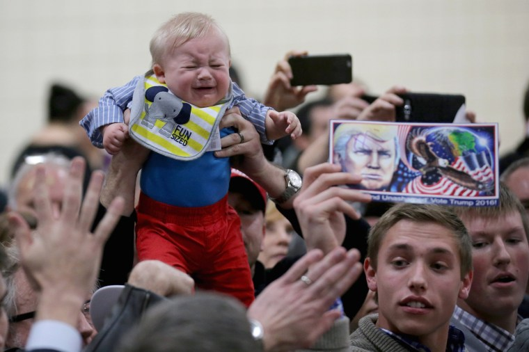 Image: Donald Trump Campaigns In Western Iowa Day Before State's Caucus