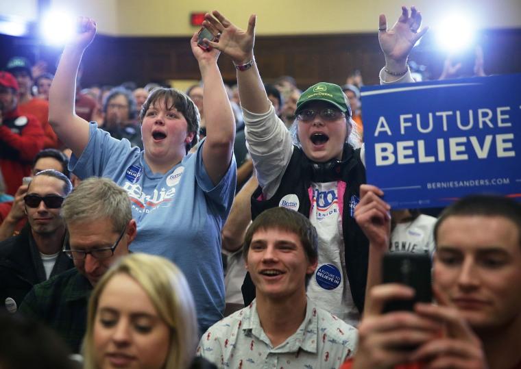 Image: Bernie Sanders Campaigns Across Iowa