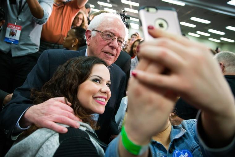 Image: Bernie Sanders Selfie