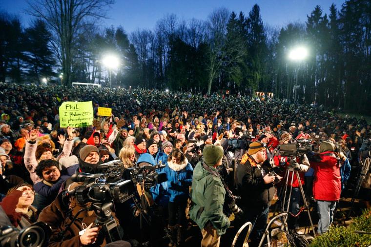 Image: crowd in punxsutawney