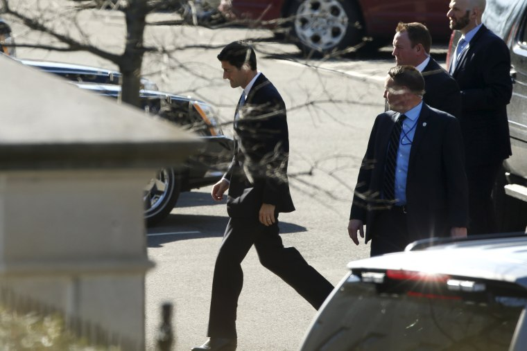 Image: Ryan arrives to meet with Obama