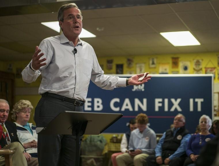 Image: Republican Presidential candidate Jeb Bush in Raymond, New Hampshire