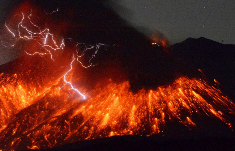 Image: Volcanic lightning