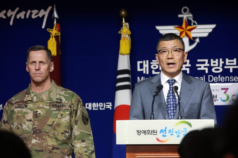 Image: South Korea and USA to begin THAAD deployment talks