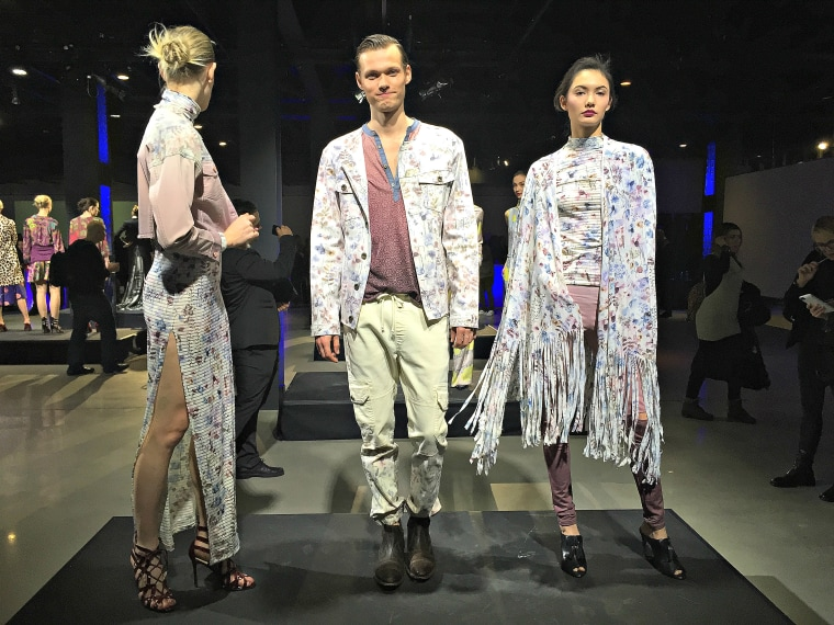 Models wearing Pionier by Janet Ríos and Carmen Artica at the Epson Digital Couture Fashion presentation.
