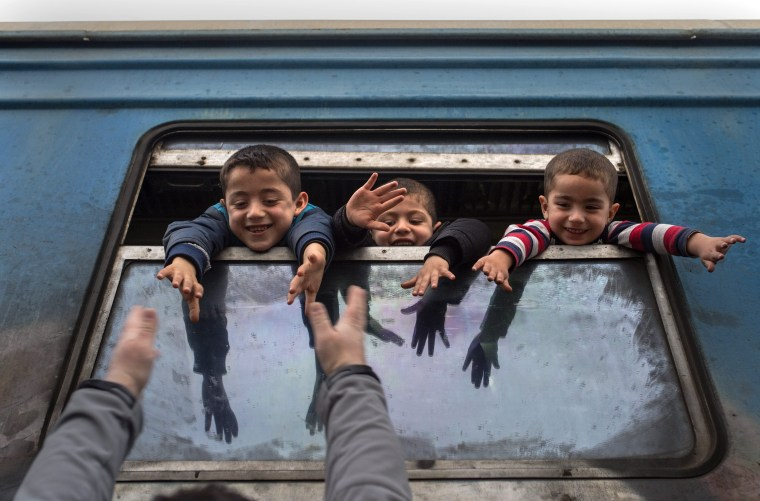 Image: Refugees continue to pass through Macedonia on their way to the European Union