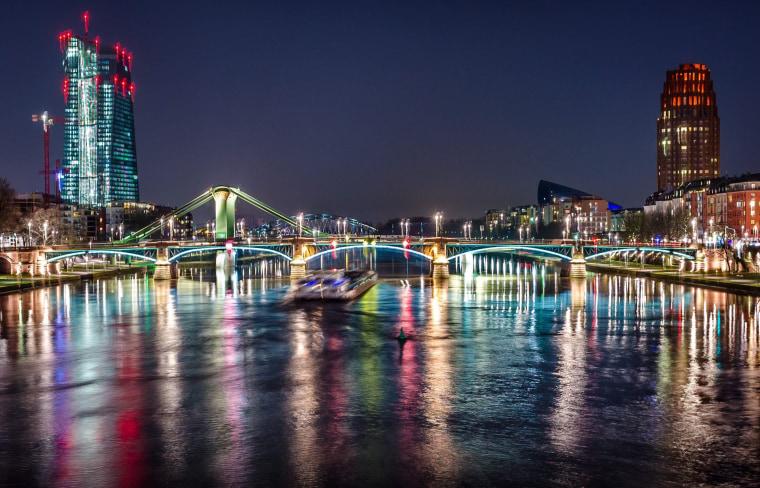 Image: Frankfurt at night