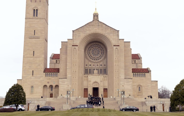 Image: Pallbearers carry the casket of U.S. Supreme Court Associate Justice Antonin Scalia into his funeral mass at the Basilica of the National Shrine of the Immaculate Conception in Washington