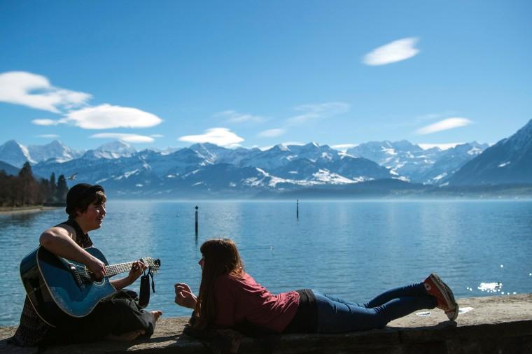 Image: Sunne springlike weather in Switzerland