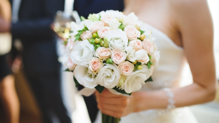 Picture perfect! 86 wedding photos you can't forget to capture - image wedding-bouquet-stock-today-160219-tease_644a74407dacfe29d14ee94a5dd74b28.fit-760w on https://alldesingideas.com