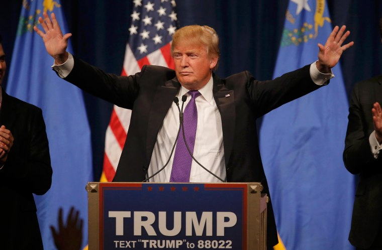 Image: Republican U.S. presidential candidate Donald Trump addresses supporters