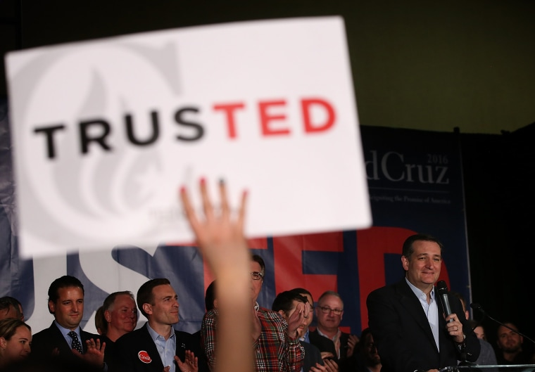 Image: Republican presidential candidate U.S. Sen Ted Cruz (R-TX) speaks during his caucus night gathering
