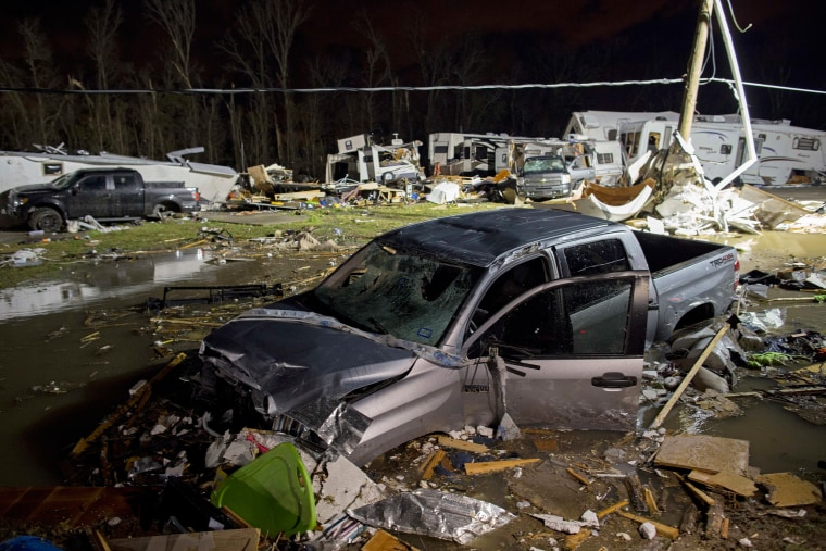 Image: Destroyed trailers and vehicles at park
