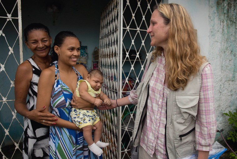 Image: teams from U.S. CDC and Brazilian health workers go into one of the epicenters of Zika in Brazil