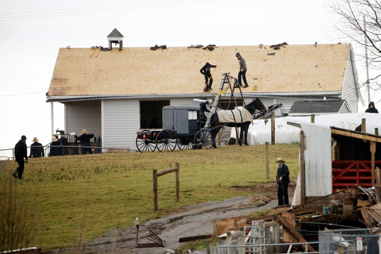 Image: East Coast Storms Amish Workers