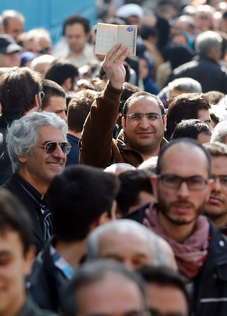 Image: Iranian Elections Outside Crowd