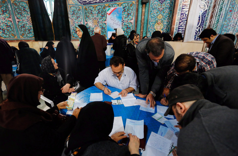 Image:Iran Elections Crowd Cricle