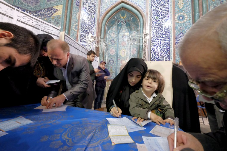 Image:Iran Elections Women and Child