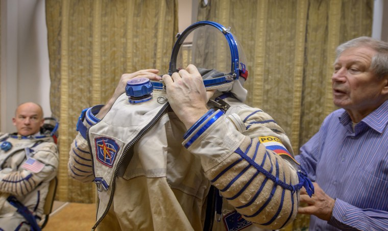 Image: Expedition 47 Qualification Exams