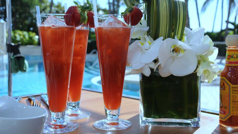 Giada de Laurentiis makes strawberry-basil agua fresca in Miami for the South Beach Wine and Food Festival
