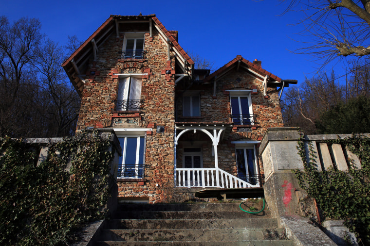 The Airbnb rental property where a decomposing body of a woman was found in the garden, in Palaiseau, south of Paris, France, Monday, Feb. 29, 2016.