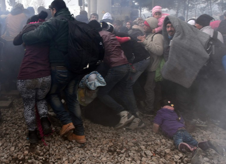 Image: TOPSHOT-GREECE-MACEDONIA-EUROPE-MIGRANTS
