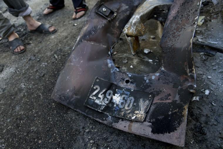 Image: Israeli army vehicle burned in Qalandia