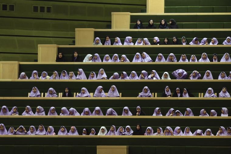 Image: Iranian Schoolgirls