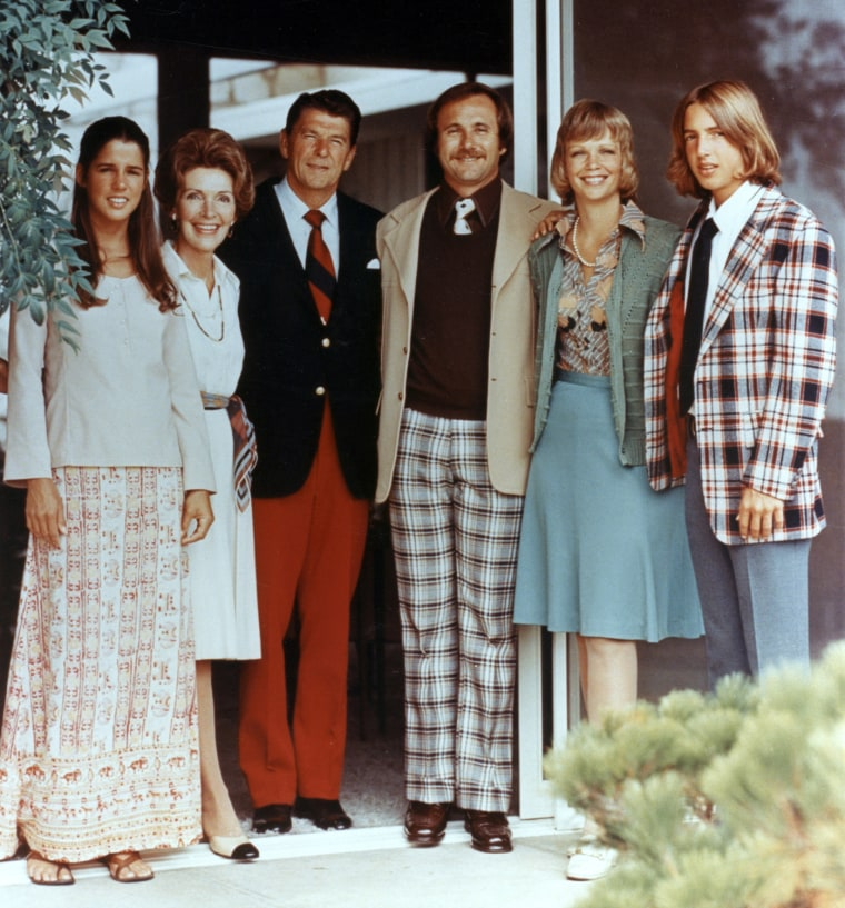 Image: Patti Davis, Nancy Reagan, Ronald Reagan, Michael Reagan, Maureen Reagan and Ronald Reagan Jr.