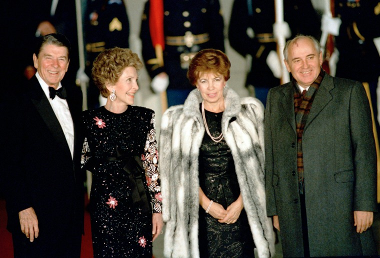 Image: President Ronald Reagan and first lady Nancy Reagan greet Soviet leader Mikhail Gorbachev and his wife Raisa