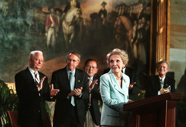 Image: Nancy Reagan receives a standing ovation before being given the Congressional Gold Medal