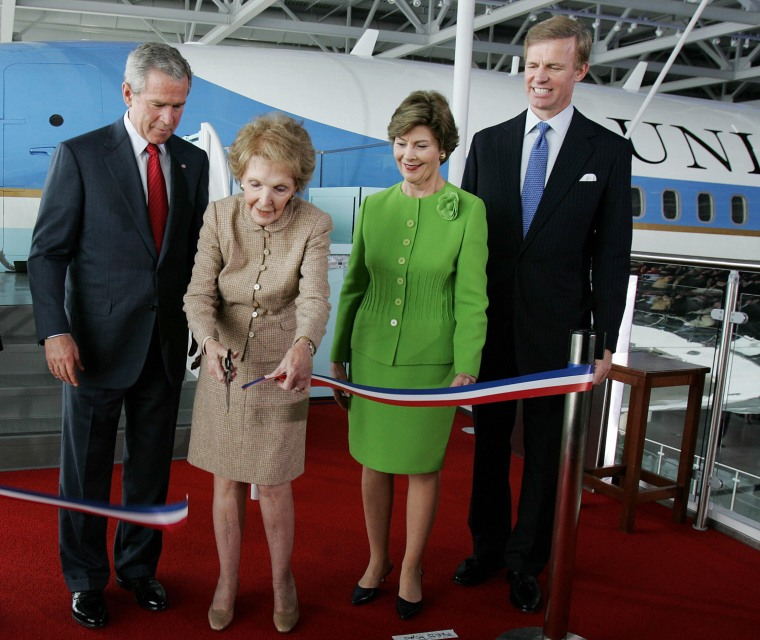 Image: Nancy Reagan cuts a ceremonial ribbon at The Ronald Reagan Library