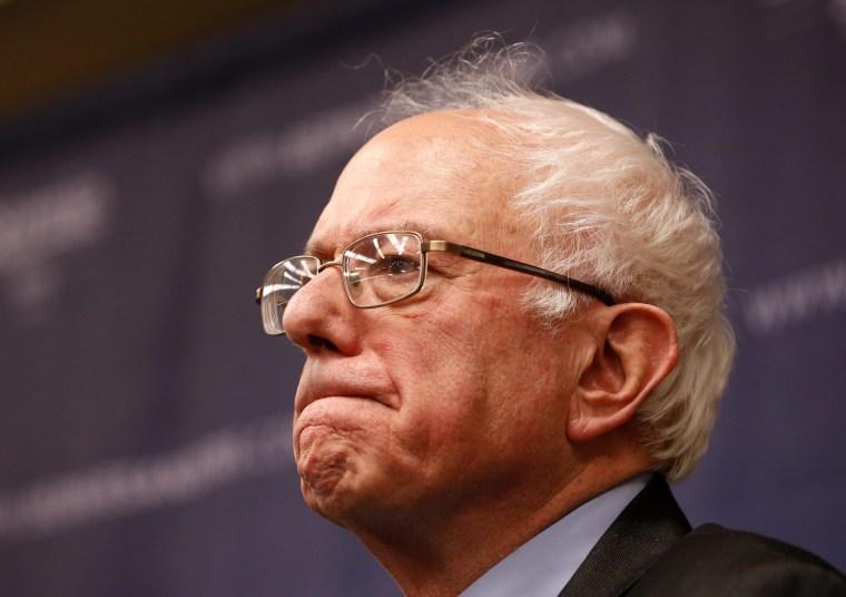 Image: Democratic debate in Michigan