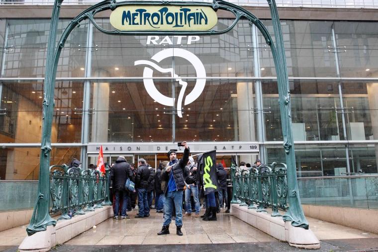 Image: TOPSHOT-FRANCE-ECONOMY-LABOUR-REFORM