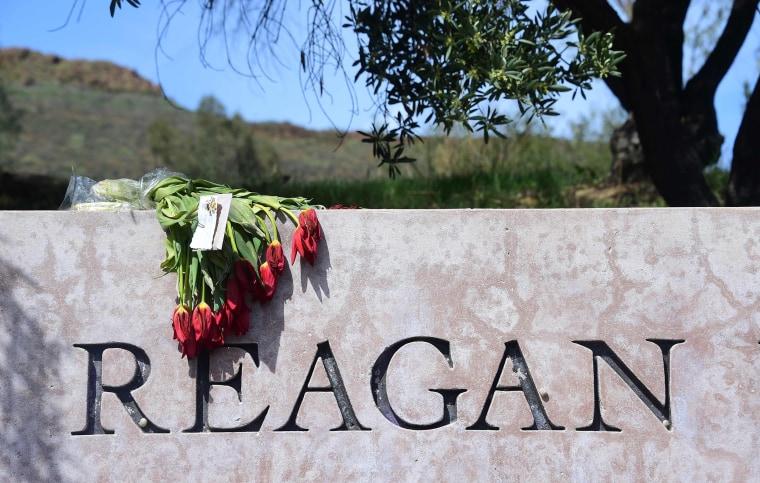 Image: US-POLITICS-REAGAN-FUNERAL
