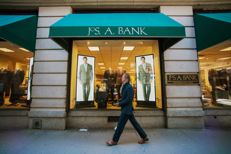 A Jos. A. Bank Clothiers Inc. Store Ahead Of Earnings Figures