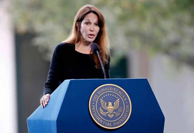 Image: Patti Davis, daughter of Nancy Reagan, speaks at her mothers funeral at the Ronald Reagan Presidential Library in Simi Valley, California