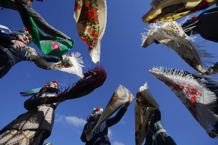 Image: Belarusians dance during Maslenitsa celebrations