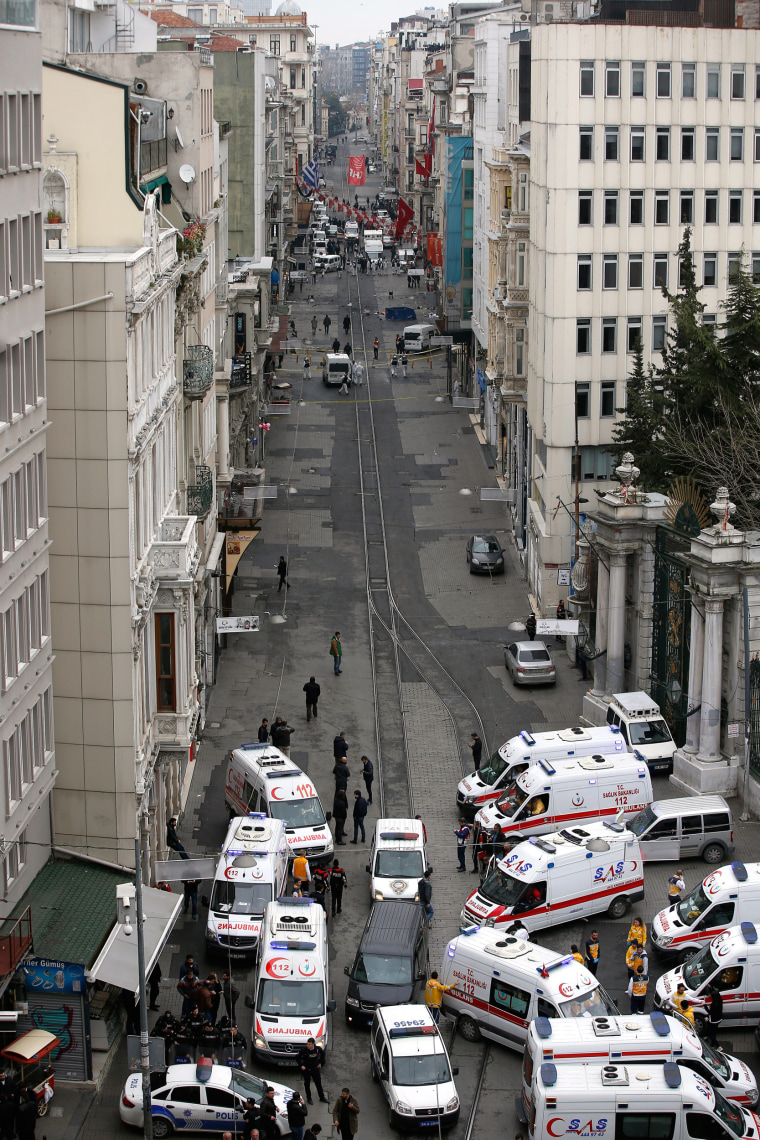 Image: Istanbul bombing kills 5