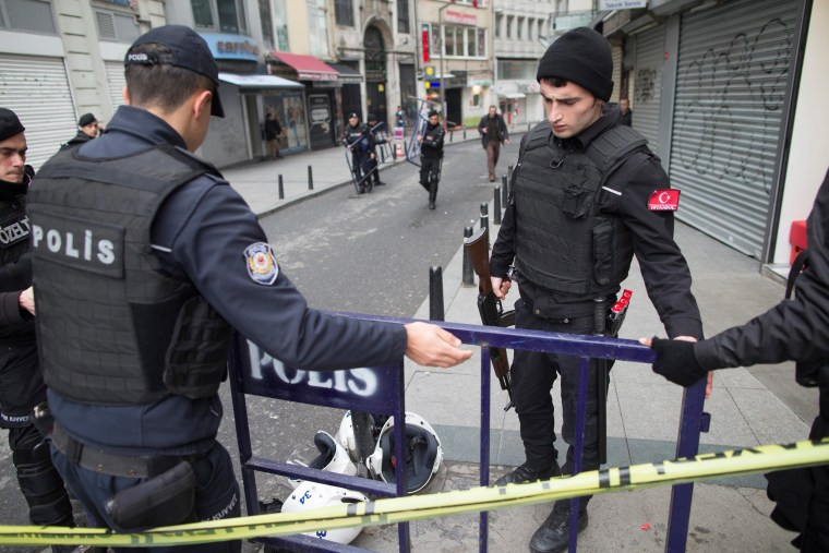 Image: Suicide bomb attack at Istiklal Street in Istanbul