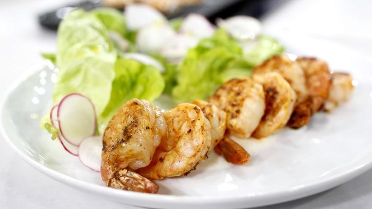 Gavin Kaysen makes grilled shrimp with spiced yogurt sauce for a healthy brunch.