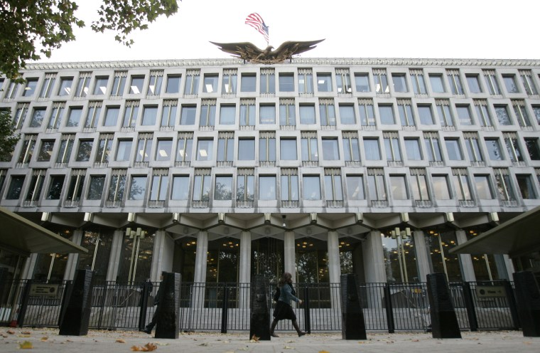 The United States Embassy in Grosvenor Square in central London, Thursday, Oct. 2, 2008.