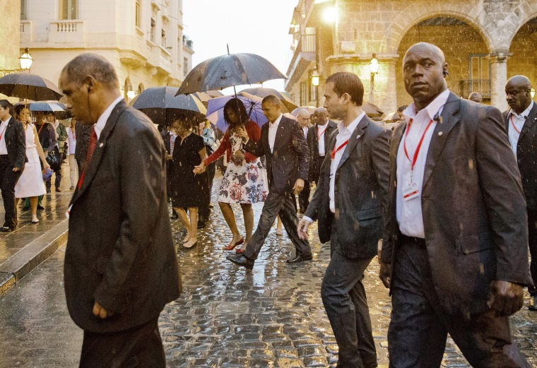 Image: The Obamas go on a walking tour of Old Havana
