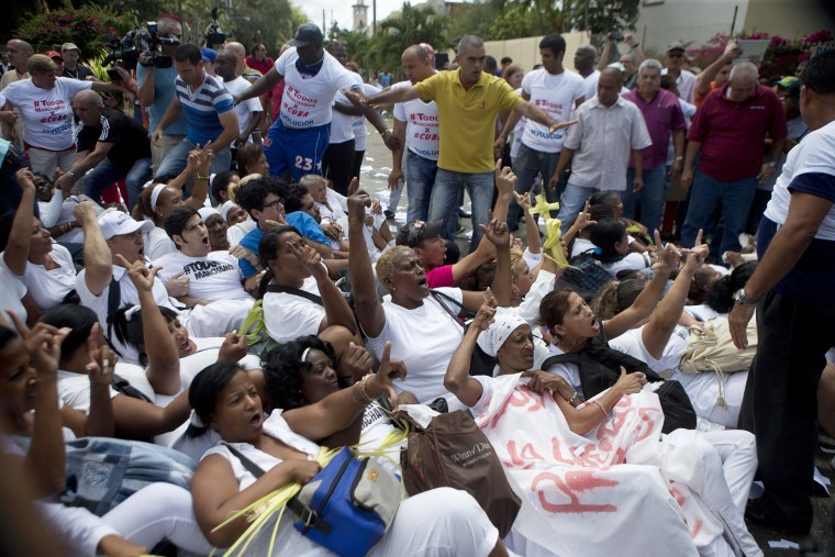 Image: Members of Ladies in White protest in Havana
