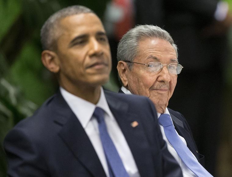 Image: Barack Obama, Raul Castro