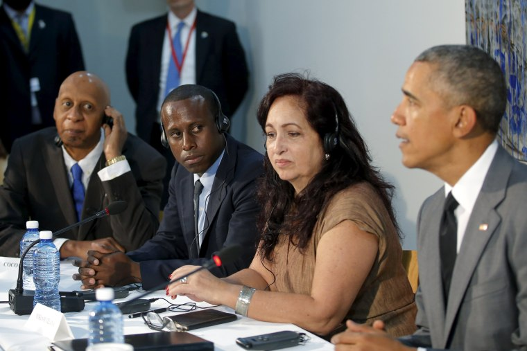 Image: Cuban dissidents attend a meeting with U.S. President Barack Obama at the U.S. embassy in Havana