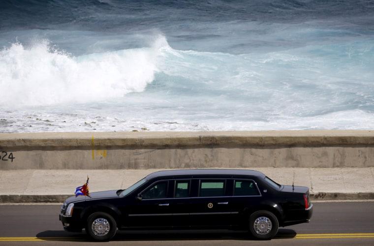 Image: U.S. President Barack Obama's motorcade arrives at the U.S. embassy in Havana